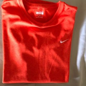 Nike shirt size S